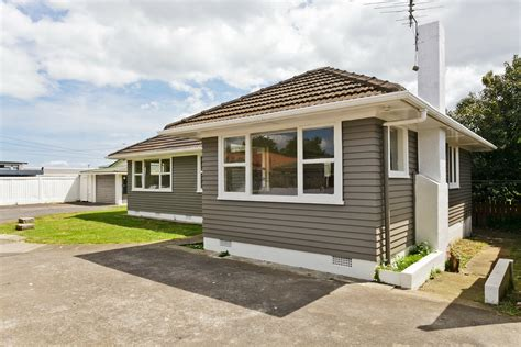 house for manurewa 2 x 3 bedroom houses on huge 1116m2 freehold site cashflow property