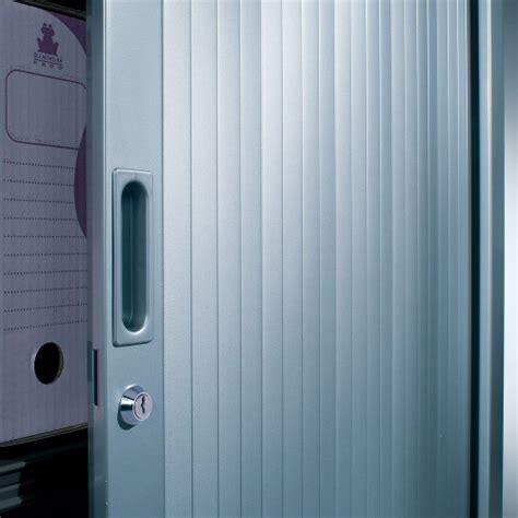 armoire en m 233 tal avec rideaux armoire de bureau noir