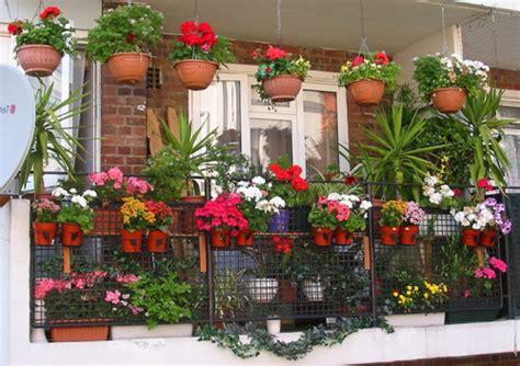 Pot Tempel Tanaman Palsu Type D inspirasi balkon rumah agar nyaman dan asri smartmama