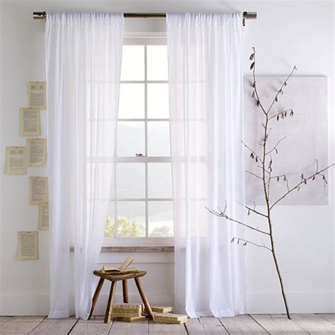 White Drapes In Living Room Tips For Choosing Living Room Curtains Elliott Spour House