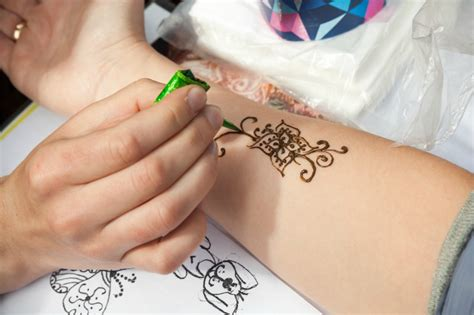 how to learn mehndi designs at home learn mehndi designs for your and home the
