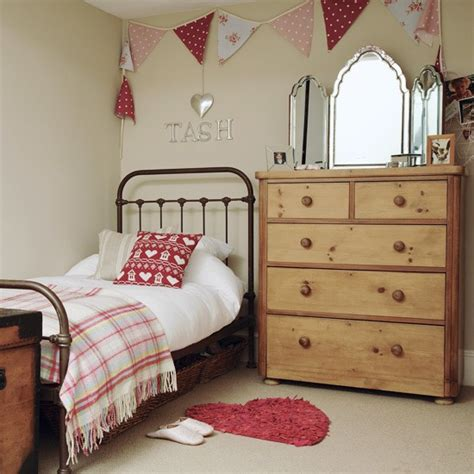small girls bedroom bedroom ideas for girls with small rooms country girl