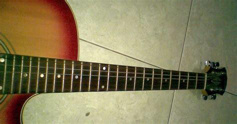 cara bermain gitar acoustic tips buat kamu hari ini cara menghindari neck gitar bengkok