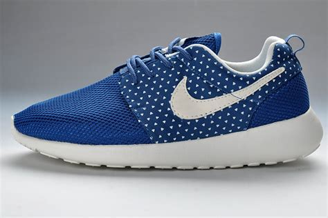 blue pattern nike roshe run nike roshe run womens blue white amour pattern mesh nike