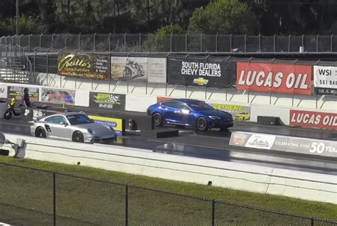 Tesla Drag Racing Tesla Model S P100d Dukes It Out With Tuned Porsche 911