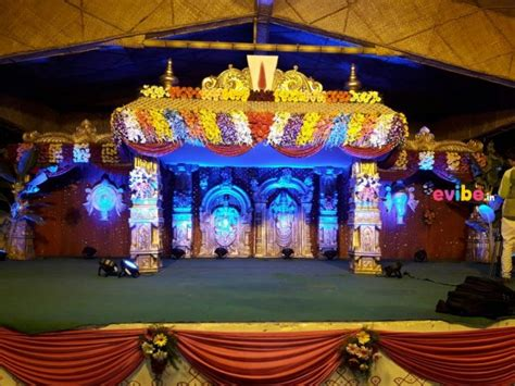 Wedding Car Entrance by Grand Traditional Wedding Mandap And Entrance With Car