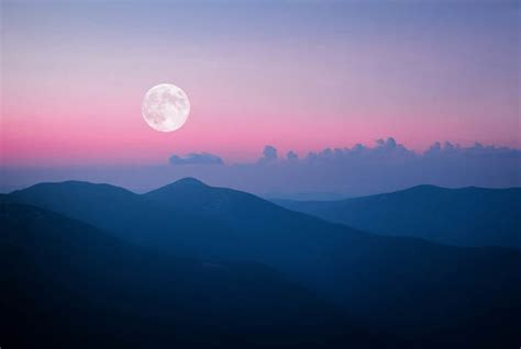 pink moon april pink moon 2018 when is the pink moon in april what time