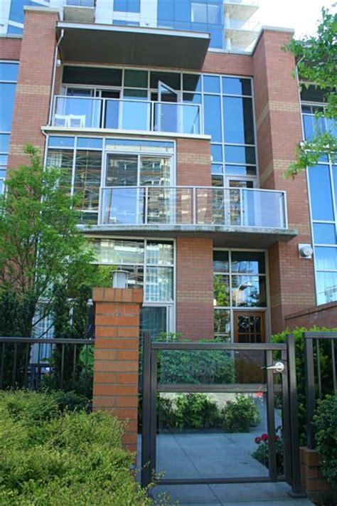 Washington Square Garage by Washington Square Leases Floor Townhomes Downtown