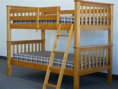 bunk beds with mattresses buying the right bunk bed mattress