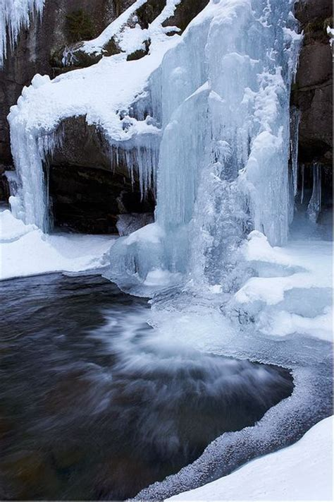 frozen waterfalls frozen waterfall frozen waterfalls
