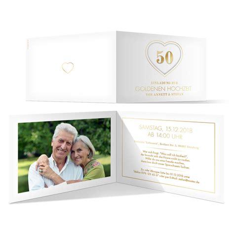 Einladungskarten Zur Goldenen Hochzeit by Goldene Hochzeit Einladungskarten Jubil 228 Ums Herz