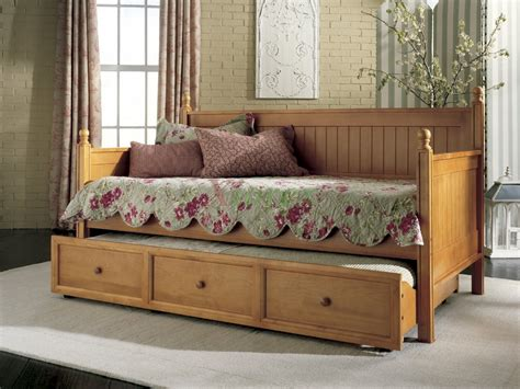 twin bed daybed casey daybed twin size bed w trundle in honey maple