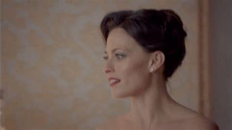Irene Adler Sherlock Bbc Hairstyle   irene adler s hair twists on the right side sherlock