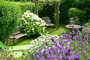 le plus beau jardin est celui de martine