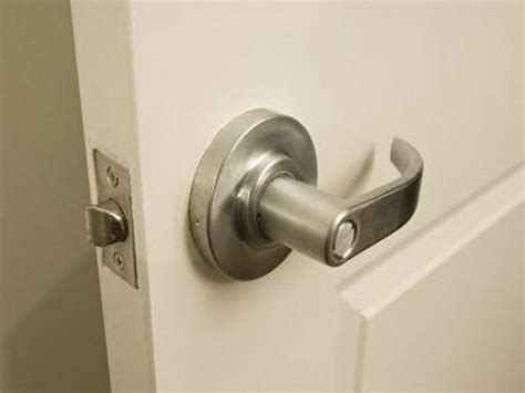 Change Door Knob by How To Repair Step How To Change A Door Knob How To
