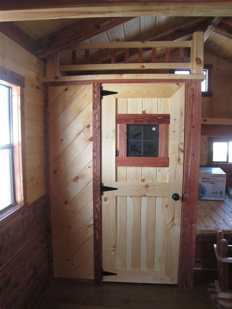Trophy Amish Cabins, LLC   12' X 32' LODGE/Cedar Deluxe