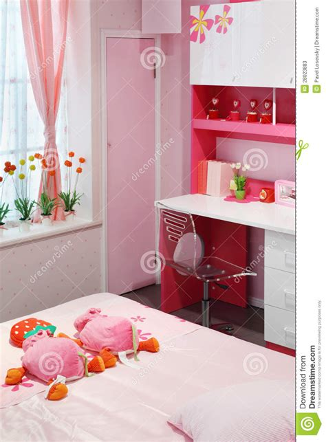 Teenagers Furniture quarto cor de rosa simples para a menina imagem de stock