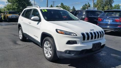 small jeep white 2014 jeep latitude 4x4 4dr suv 30200 white