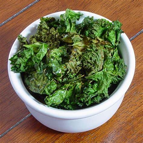 best 25 dehydrated kale chips ideas on pinterest vegetarian kale recipes kale crisps and