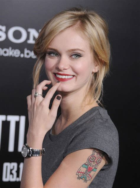 sara paxton height weight body statistics healthy celeb