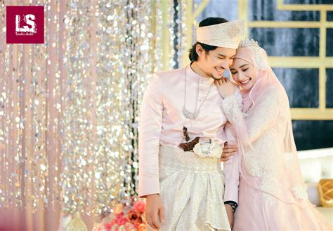 Baju Kahwin Wawa Zainal 72 resepsi perkahwinan aeril zafrel wawa zainal rotikaya