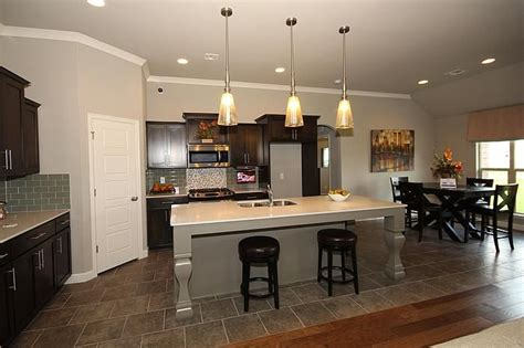 Kitchen Breakfast Bar Pendant Lights 1000 Images About Simmons Homes Tulsa Ok On