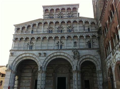 duomo di lucca interno lucca cattedrale di san martino facciata picture of