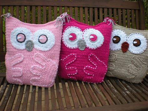 free pattern owl cushion free crochet owl cushion pillow pattern squareone for