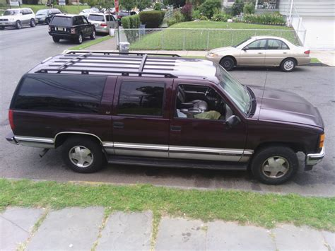 1993 chevrolet suburban overview cars com 1993 gmc suburban trim information cargurus