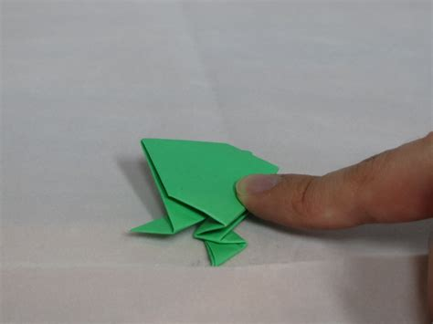 Origami Leaping Frog - learn the of origami everywhere