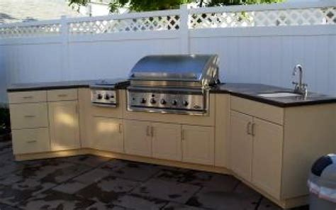 outdoor kitchen experts see new trends in materials design vycom plastics