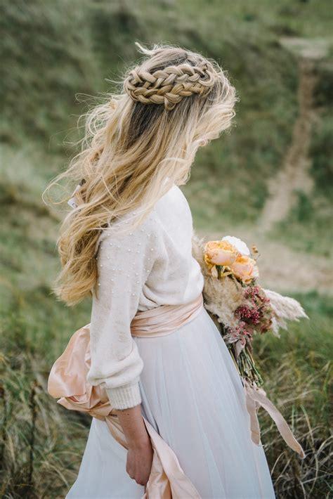 beautiful bridal half up half wedding hair inspiration
