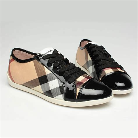 stock burberry clothing shoes accessories bags