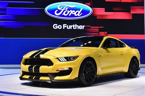 2015 mustang horsepower v8 exclusive 2015 shelby gt350 to pack 526 horsepower from 5