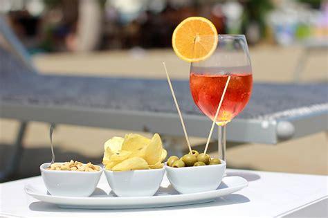 Happy Hour Pomtea Spritzer by Happy Hour Lignano Sabbiadoro