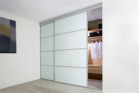 Closet Uk by White Sliding Closet Door Options Homesfeed