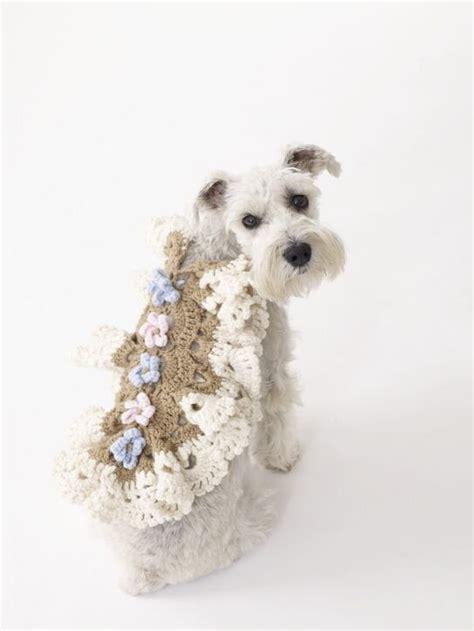 crochet pattern for dog coats 126 best crochet animals clothing images on pinterest
