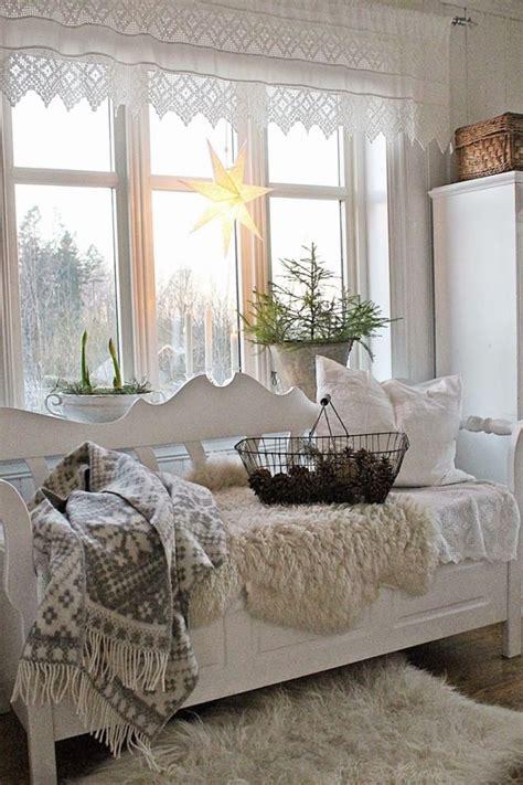 idee  finestre decorate  tema natalizio  stile