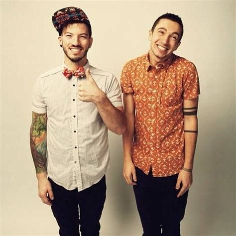 Twenty One Pilots Pictures   MetroLyrics