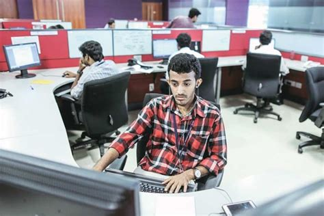 Cbell May Lose Us Work Visa by Indian It Firms Seek To Cut Costs Techies May Lose