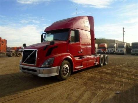 2013 volvo semi 2013 volvo vnl64t670 sleeper semi truck for sale 390 640