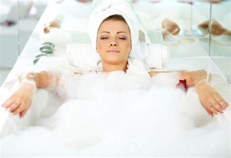 lady in a bathtub diy bubble bath recipe 171 weekly sauce