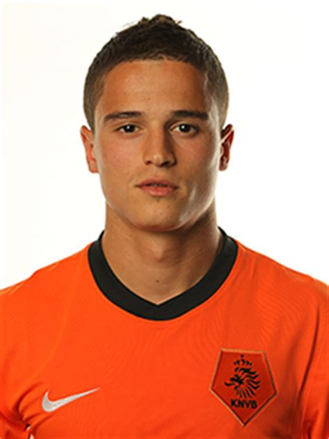 ibrahim afellay football wallpapers, backgrounds and pictures.