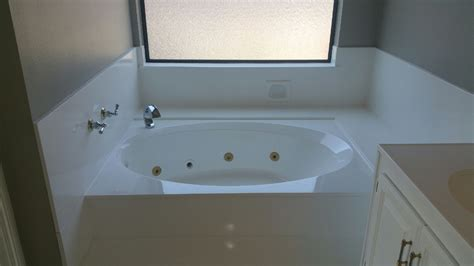 jacuzzi bathtub repair jacuzzi tub repair refinish reglaze resurface