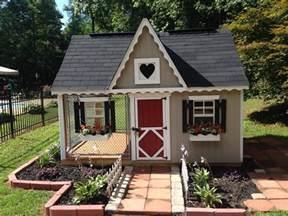 20 Most Luxurious Dog Houses Custom Dog Houses Forsale Custom Dog Houses For Sale