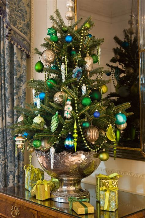 40 traditional and unusual christmas tree d 233 cor ideas