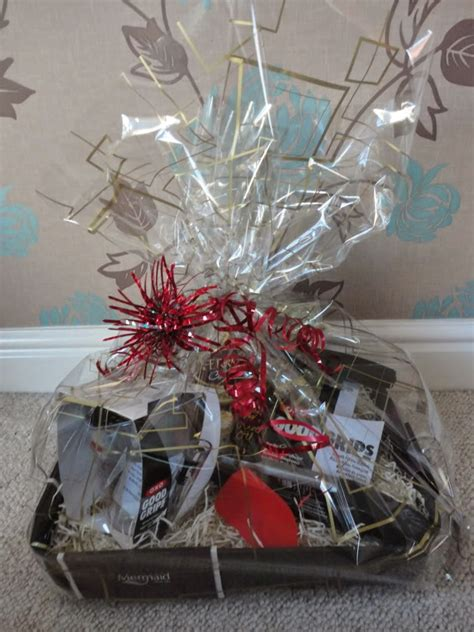 wrapping a gift basket with cellophane baby baby 20 home made her ideas