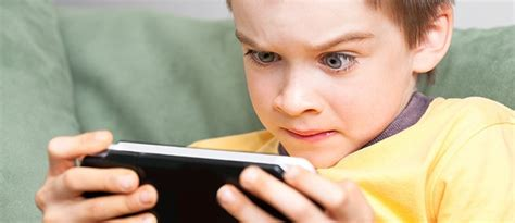 Justintv Turns An Into An Addiction by Is My Addicted To Screens Parenting