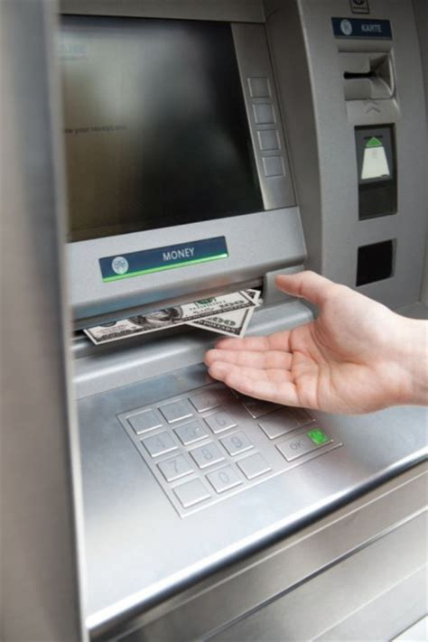 Gift Card To Cash Machine - police warn of cash machine tering glasgow guardian
