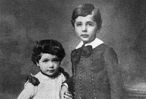 biography of albert einstein as a child childhood albert einstein biography presentation